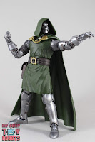 Marvel Legends Doctor Doom 16