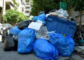 Σταματούν την απεργία οι εργαζόμενοι στα σκουπίδια, από σήμερα ξαναβγαίνουν στους δρόμους τα απορριμματοφόρα.