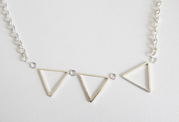 DIY : collier triangle