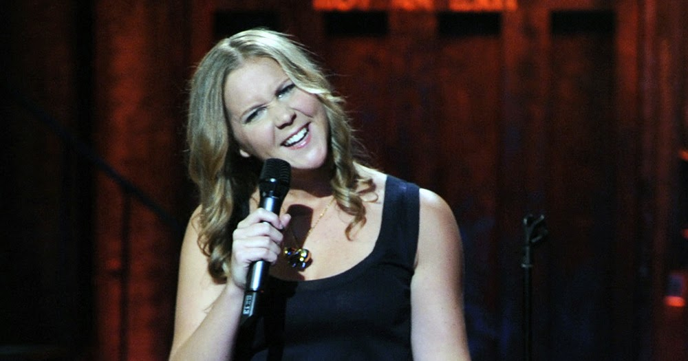 Celebrity Legs and Feet in Tights: Amy Schumer`s Legs and ...