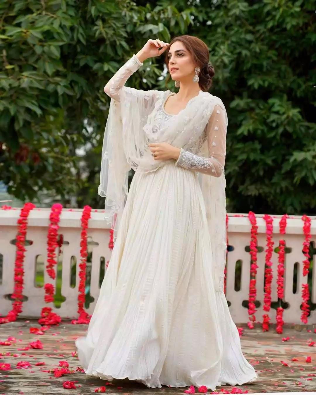 Beautiful Pictures of Maya Ali Wearing White Dress