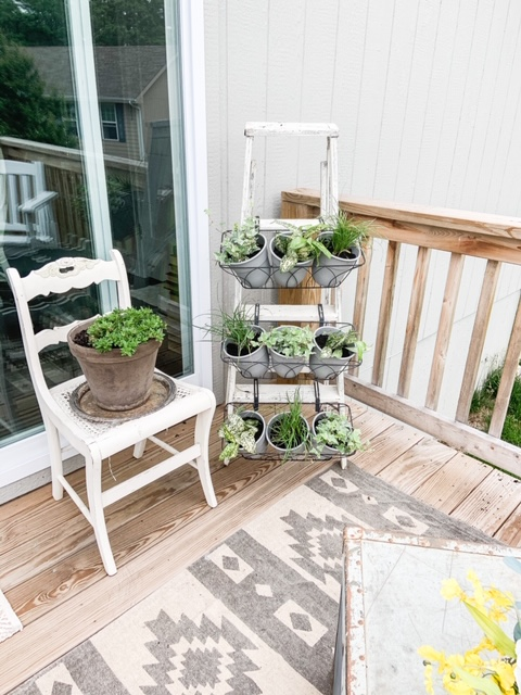 How to make a ladder plant holder