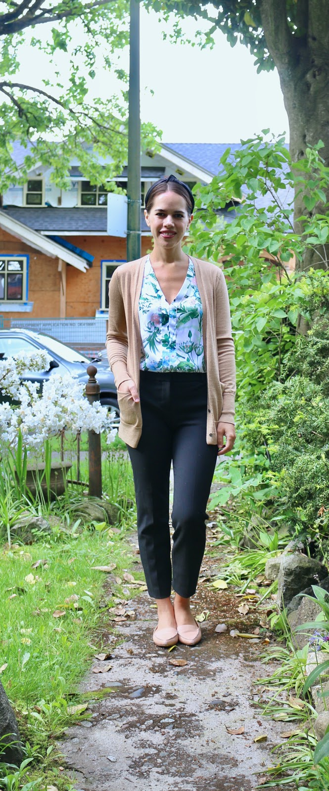 Jules in Flats - Botanical Floral Sleeveless Blouse (Easy Work from Home Outfit)