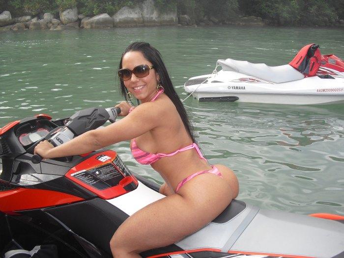 Mulher Melão em moto, famosa em moto, gostosa em moto, Mulheres de moto, mulher sensual na moto, gostosa em moto, Mulher semi nua em moto, biker babe, sexy on bike, sexy on motorcycle, babes on bike, ragazza in moto, donna calda in moto,femme chaude sur la moto,mujer caliente en motocicleta, chica en moto,