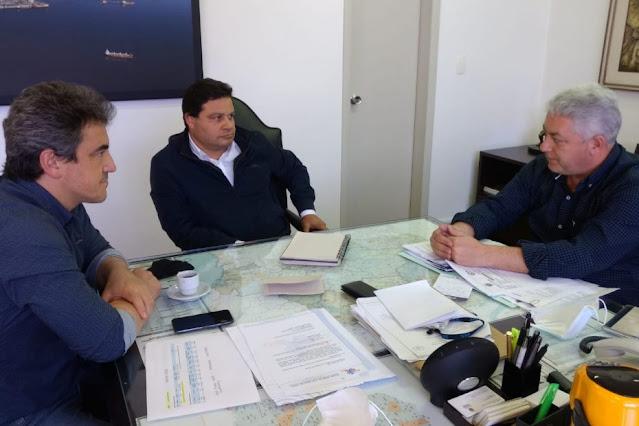 """Deputado Douglas Fabrício pede redutores de velocidade na """"ponte torta"""", local onde já aconteceram vários acidentes fatais"""