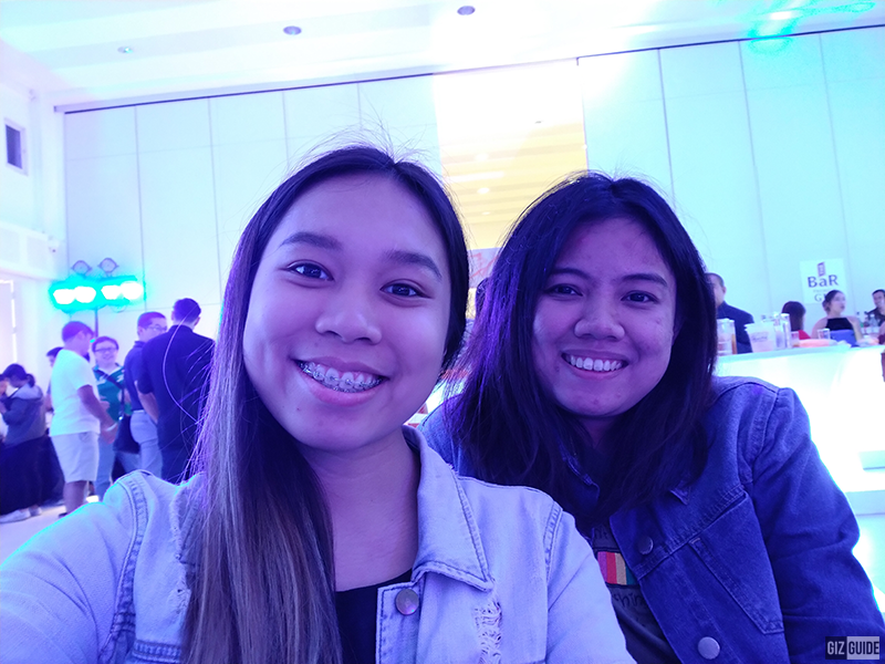 Indoor lowlight selfie with Ciara Alarcon of TeknoGadyet