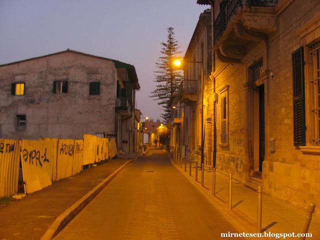 Вечерние улицы в старом Лимассоле