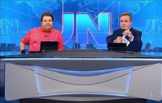 Gugu Liberato e Faustão aparecem juntos na bancada do JN
