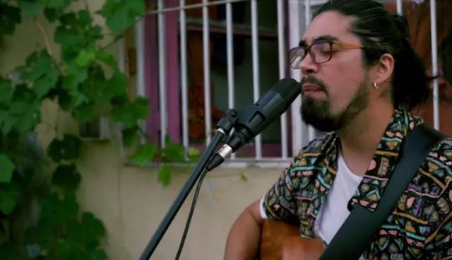 Pato Román celebra dos años de su primer disco con nueva sesión acústica