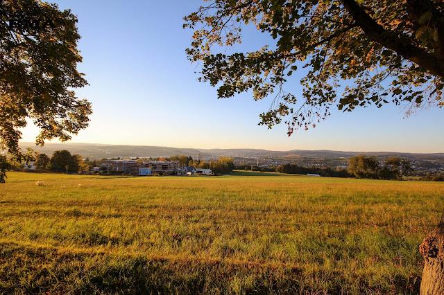 Blick Richtung Westerwald - Wetzlar an der Lahn - Vier Türme Wanderung - Jugendherberge Wetzlar - Schöne Wanderung