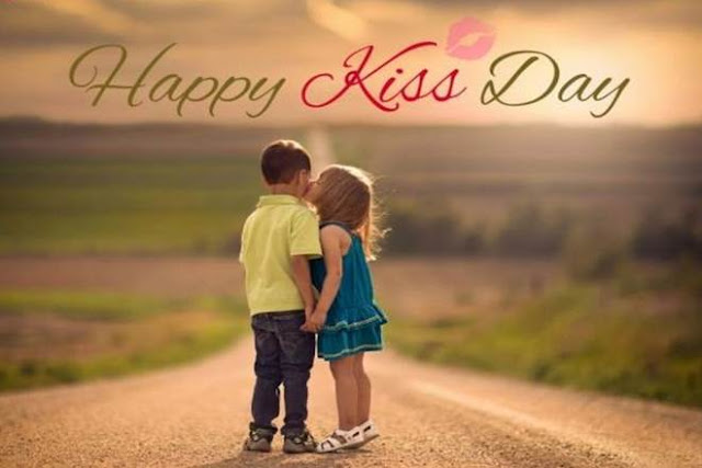kiss day friends