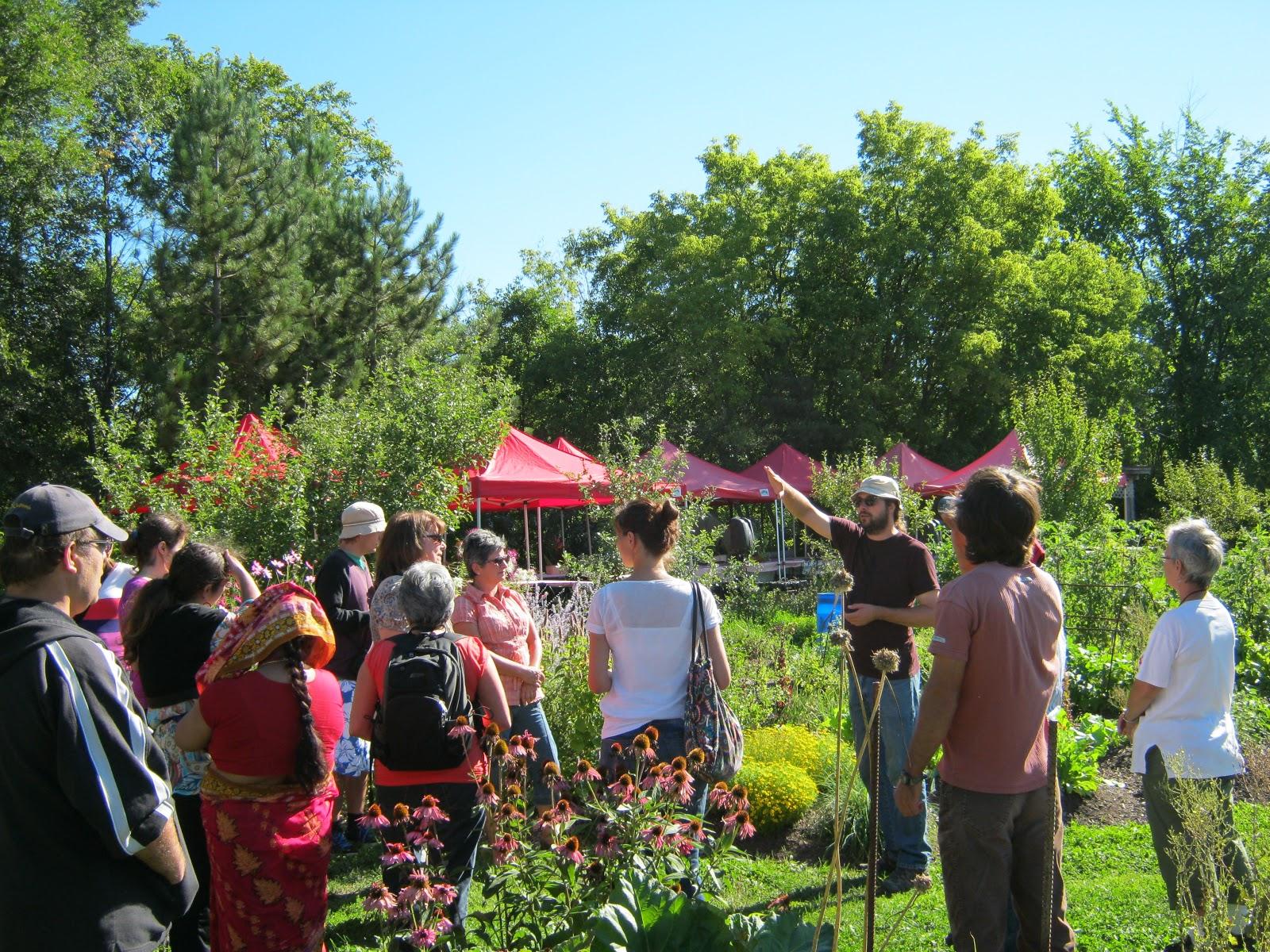 Wen rolland jardin et design cologique cours et services for Jardins et services