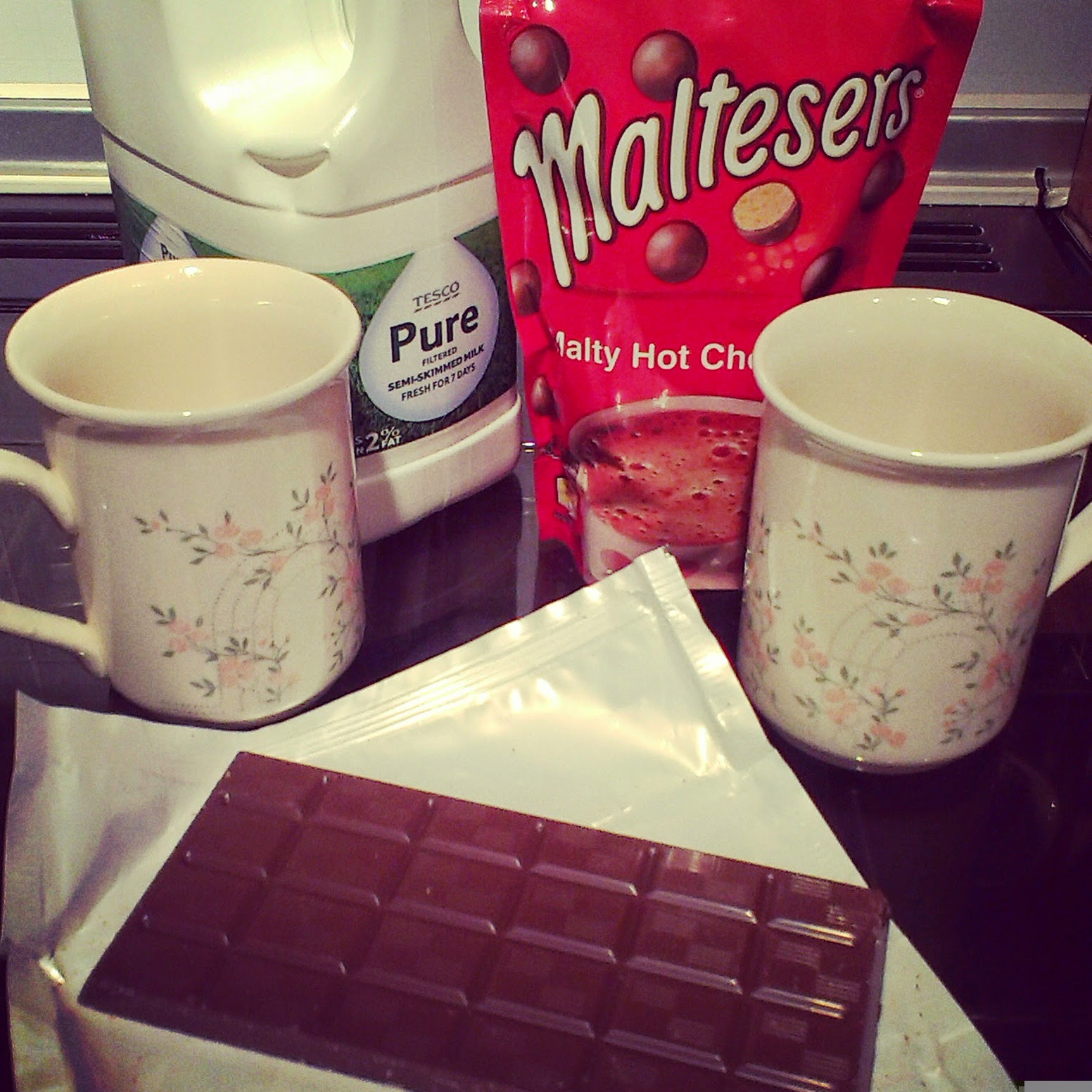 10pm - Making hot chocolate