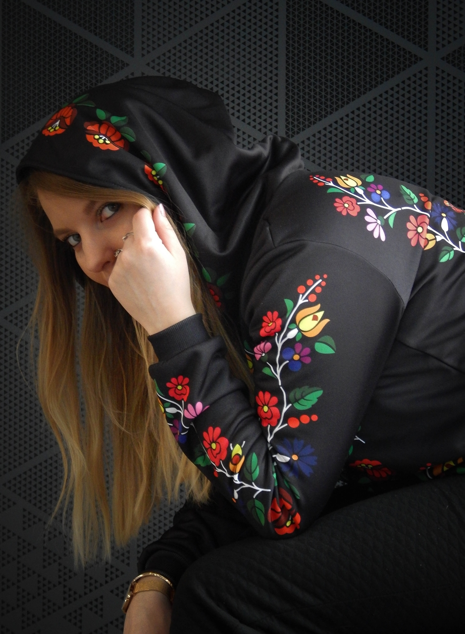 f13-2 folk by koko recenzja opinie ubrania folkowe łowickie motywy bluza góralska sukienka kodra łowicka folkowe ubrania moda ludowa pomysł na prezent fashion blog melodylaniella łódź dworzec łódź fabryczn