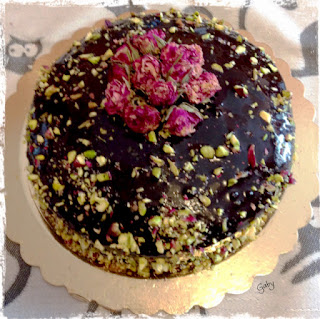 Bouquet di rose e cioccolato...
