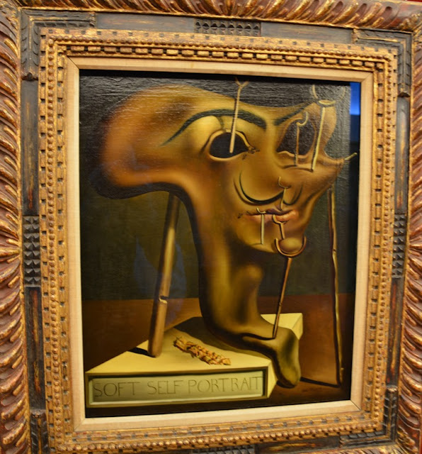 Teatre Museum Dali Art Figueres mask