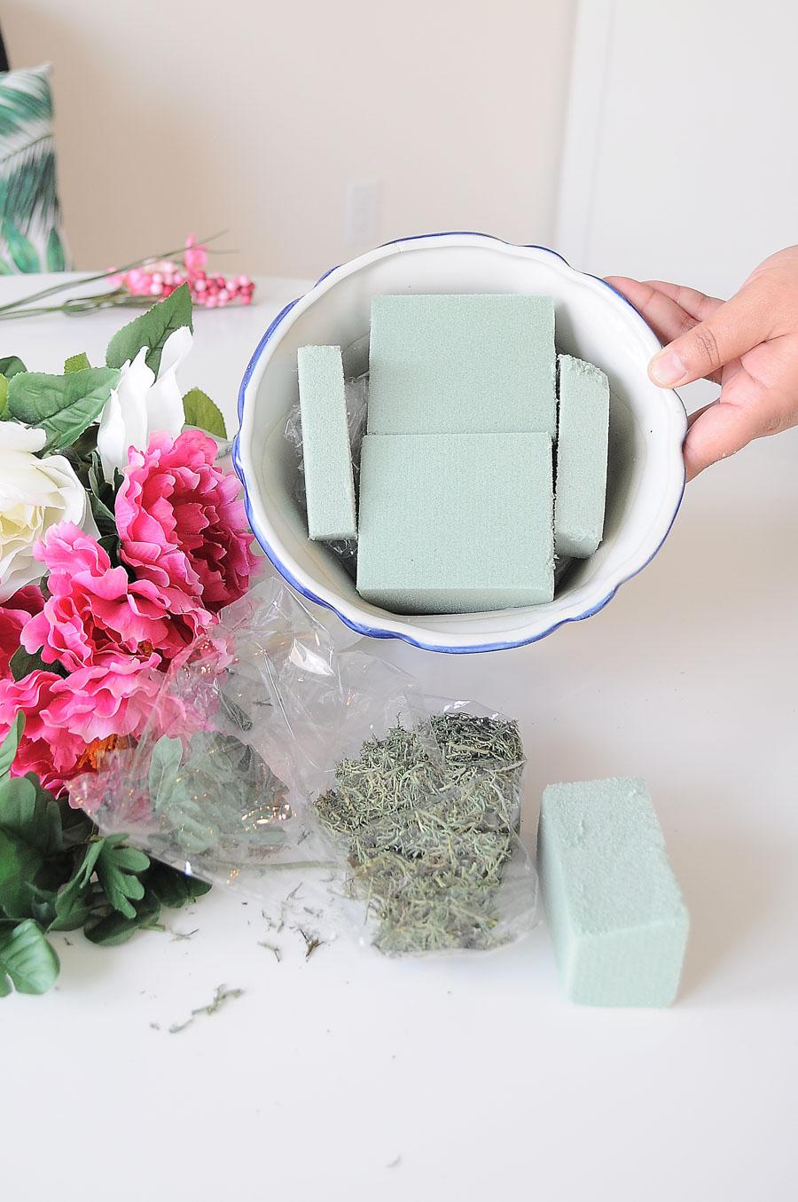 round floral arrangement instructions