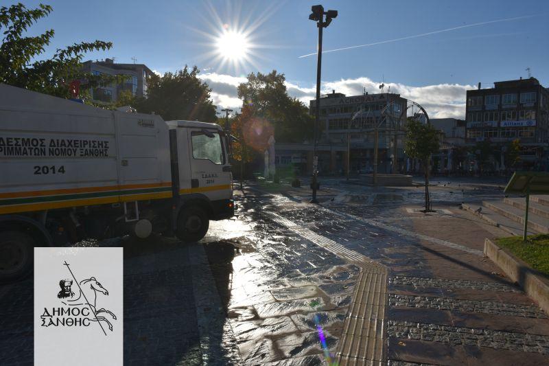 Απολύμανση στους δρόμους και την κεντρική πλατεία της Ξάνθης