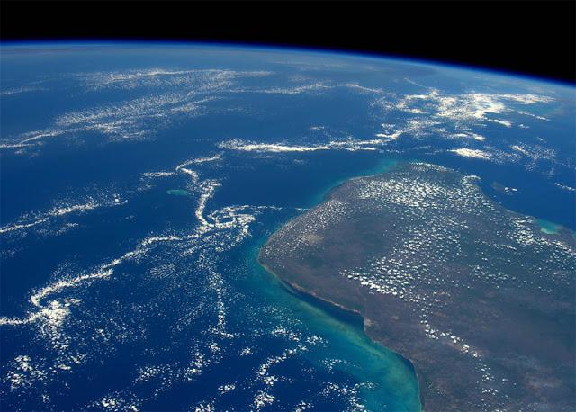 Região da Cratera de chicxulub, na Península de Yucatan, no México, vista pela Estação Espacial Internacional - Tim Peake, ESA, NASA