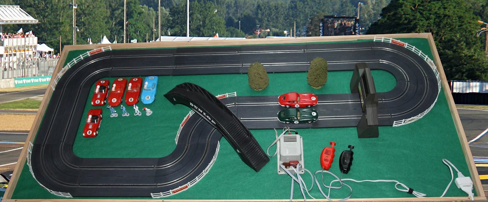 circuits routiers d 39 antan circuit 24 circuit sur plateau et voitures. Black Bedroom Furniture Sets. Home Design Ideas