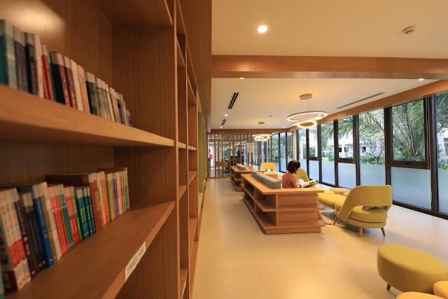 Khu phòng trà, đọc sách