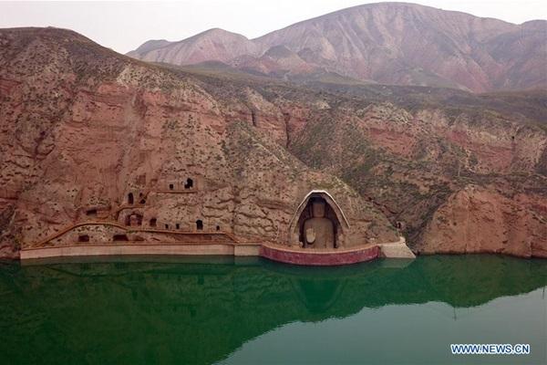 ถ้ำหินแกะสลักภูเขาเทียนที (Tianti Mountain Grottos: 天梯山石窟)