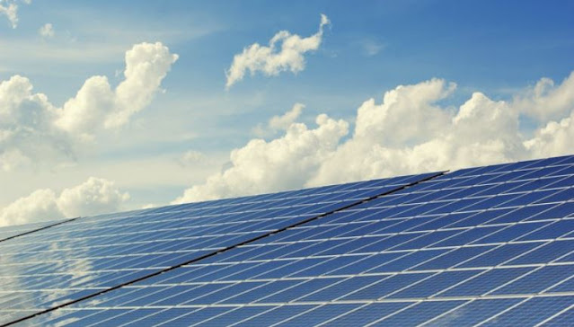 ways solar homeowners conserve energy cut electricity costs panels power