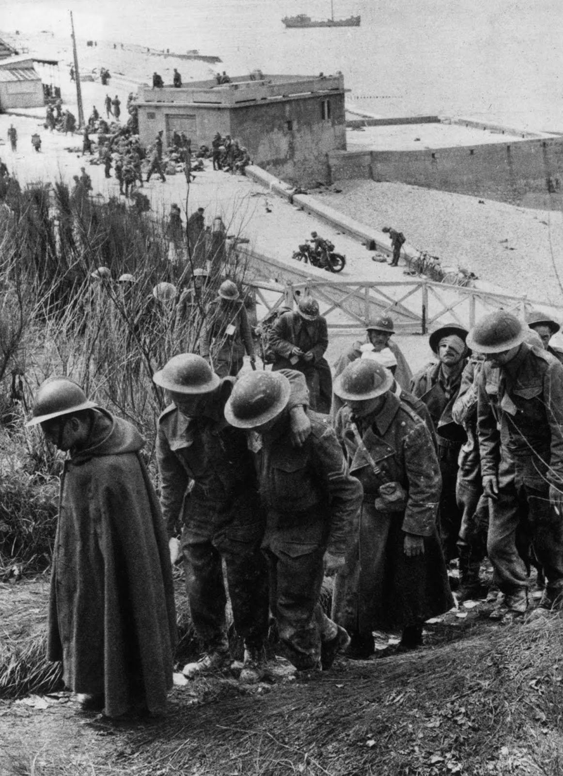 French troops are taken prisoner by the Germans at Dunkirk.