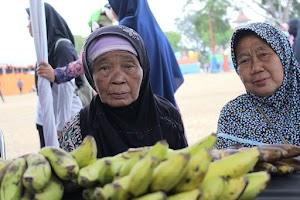 Gelar Bazar Jajanan, KNK Hadirkan Sosok Mulia di Alun-Alun Kebumen