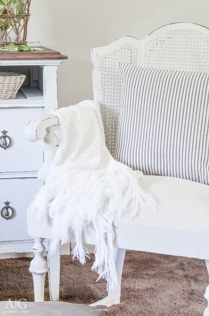 Vintage Cane Back Chair Gets A Farmhouse Style Makeover