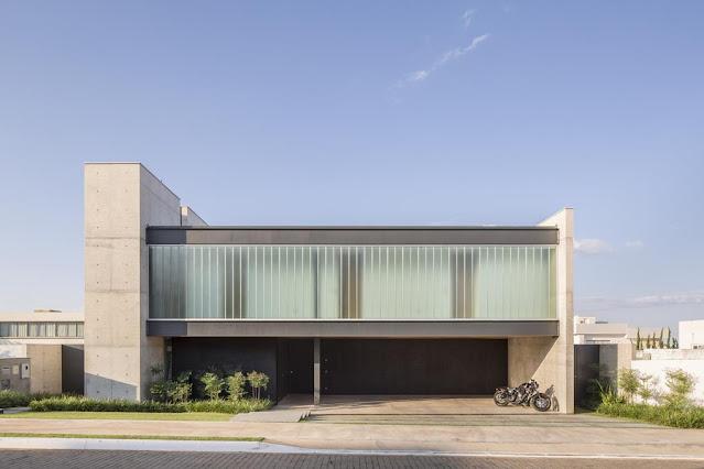 Projeto Casa Ribas criado pelo Estúdio MRGB - Vista Frontal