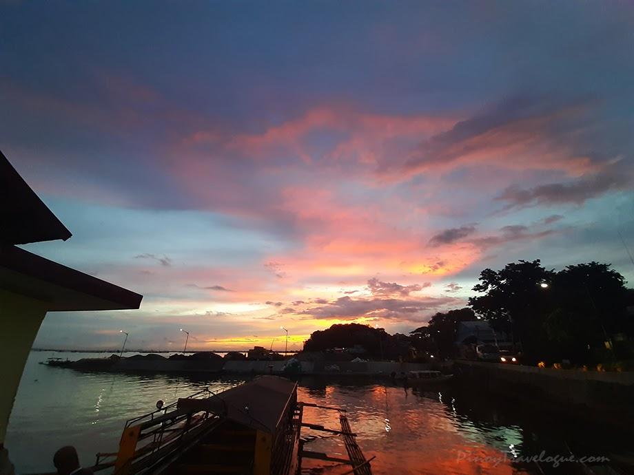 Purple dusk at Binangonan Fish Port