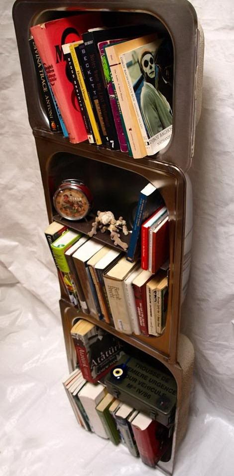 El mundo del reciclaje estanter as hechas con material - Estanterias metalicas para libros ...