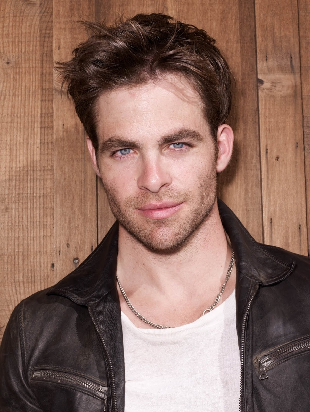 Chris Pine On The Set Of One Day She Ll Darken: Gay Lyxander: Chris Pine In Leather Jeans