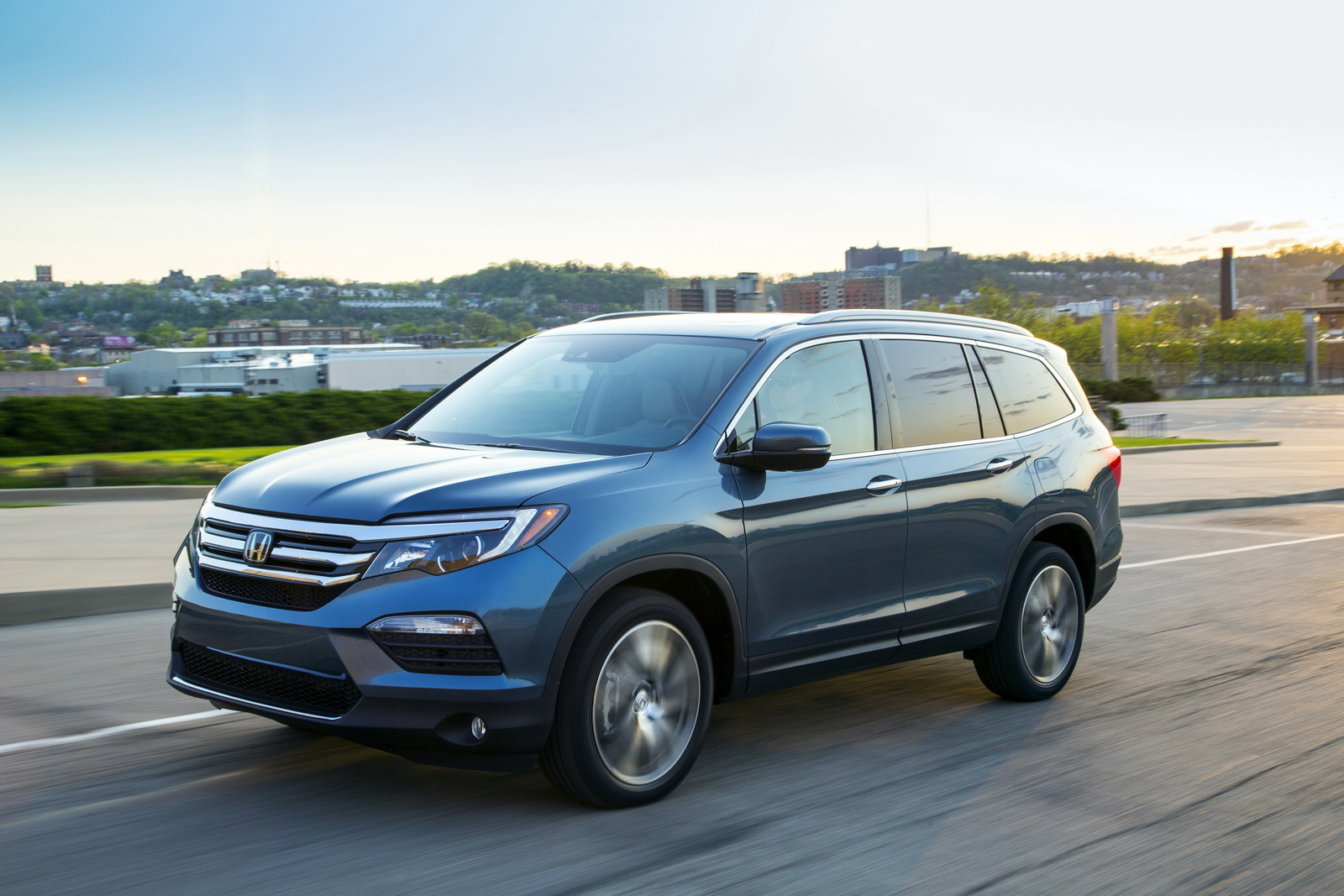 2017 honda pilot available now with apple carplay android auto priced from 30 595. Black Bedroom Furniture Sets. Home Design Ideas