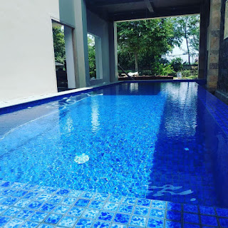 kolam renang semi overflow