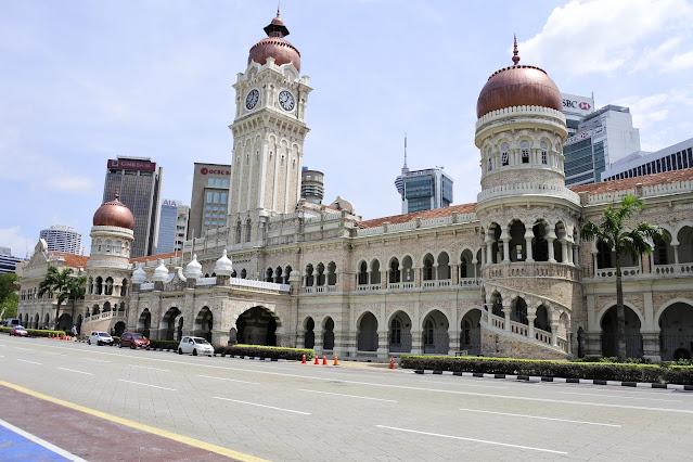 malaysia, kuala lumpur, negeri jiran, traveling, backpacker, trip ke malaysia, jalan-jalan ke kuala lumpur, petronas, menara kembar, coklat malaysia, perdana menteri malaysia, liburan ke malaysia, transportasi murah ke kuala lumpur, trik dan trip ke malaysia, sehari ke malaysia