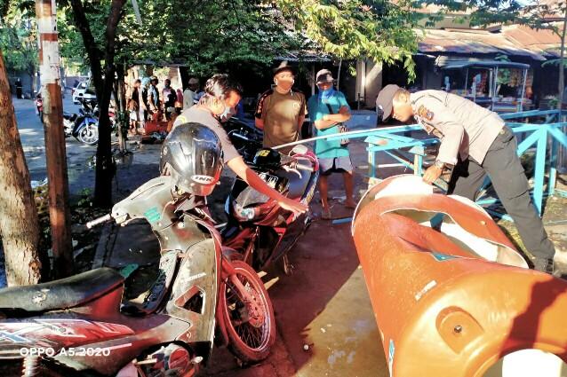 Tandon Air di Pasar Pancor Roboh, Polsek Selong Langsung Olah TKP
