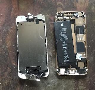 新娜:我的手机被便衣国保在大庭广众之下砸烂