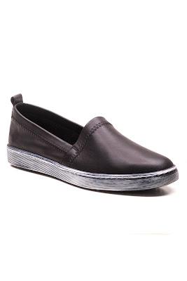 bayan siyah ayakkabısı