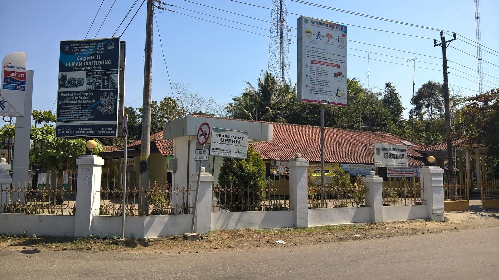 Kantor Kecamatan Ambal Kebumen