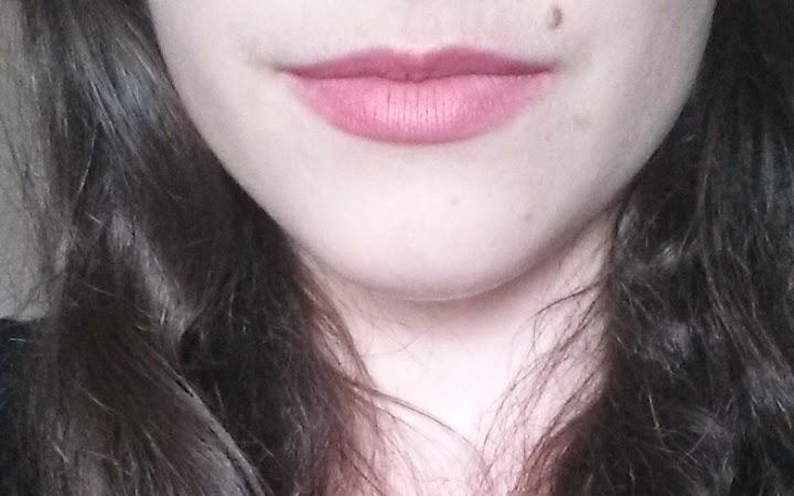 Swatch rouge à lèvres color boost pinking of it bourjois après repas