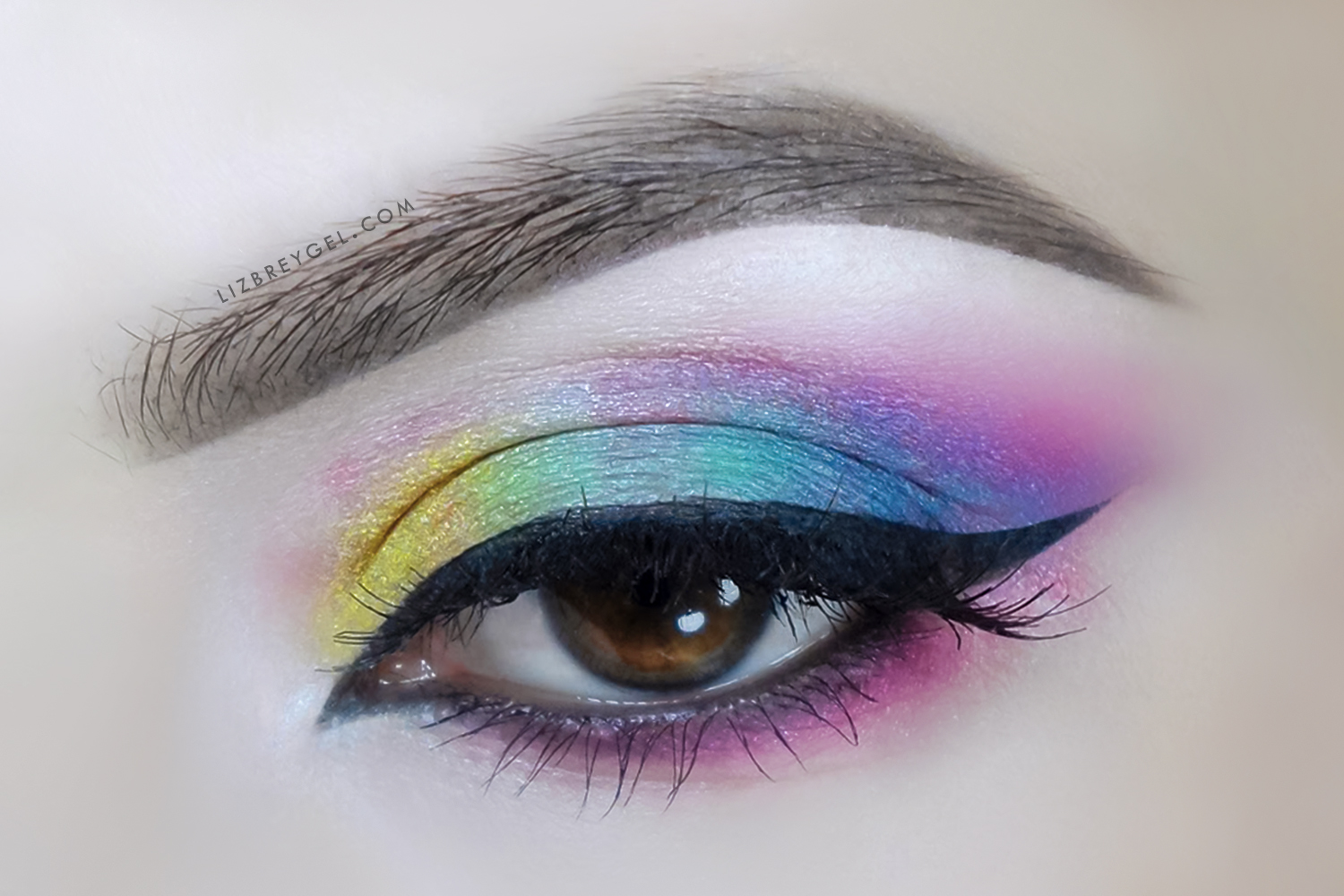 a clos eup picture of an eye with makeup