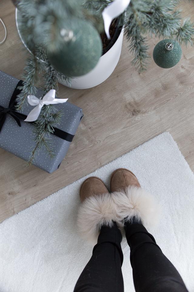 Villa H, joulu, joulukuusi, tossut