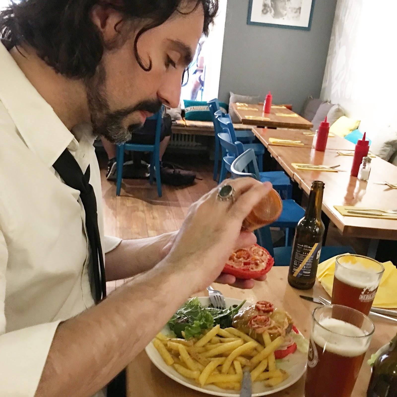Pictabouch, Le Burger Qui Arrache !  Funambul(in)e