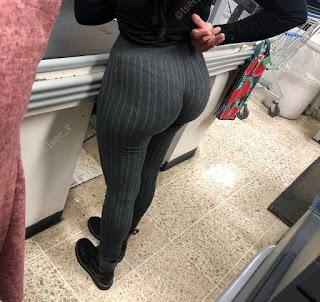Mujeres nalgonas ropa entallada ropa interior marcada
