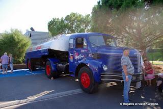 Véhicules Publicitaires Anciens Riom, 2015 camion citerne Berliet