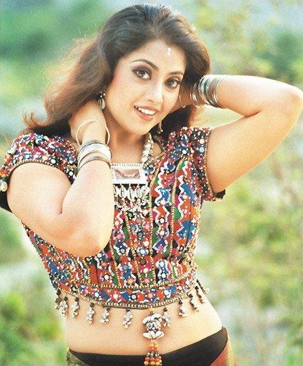 Tamil Actress Meena Durairaj Spicy Navel Show