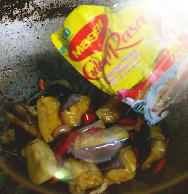 terung goreng berlada dengan maggi secukup rasa