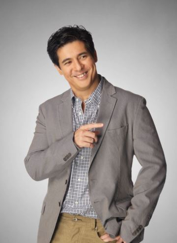 Aga Muhlach Described His Former Leading Lady Angel Locsin As 'Babaeng Walang Ka-Ere Ere'